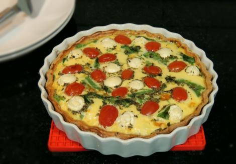 rocket, tomato and mozzarelline tart