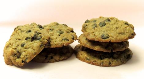 oatmeal chocolate and raisin cookies